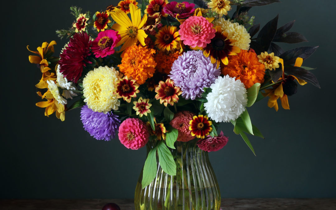 Matching Flowers to Your Home Style